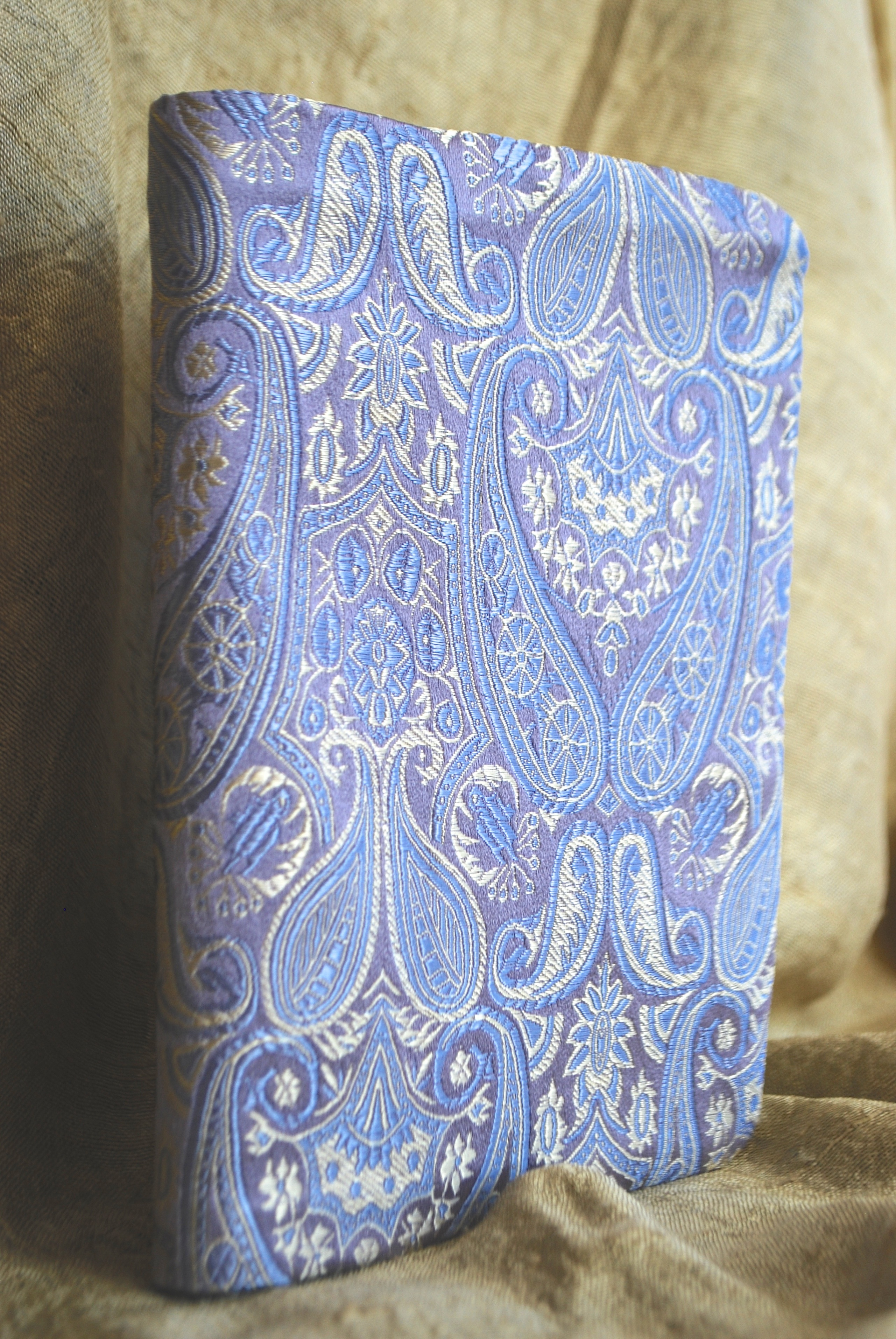 'Lavender Paisley' silk prayer book cover