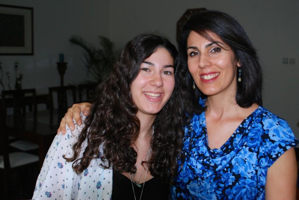 Amelia birthday with Mom