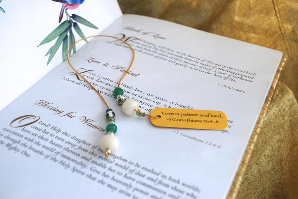 Bookmark green:white Love is Patient 4